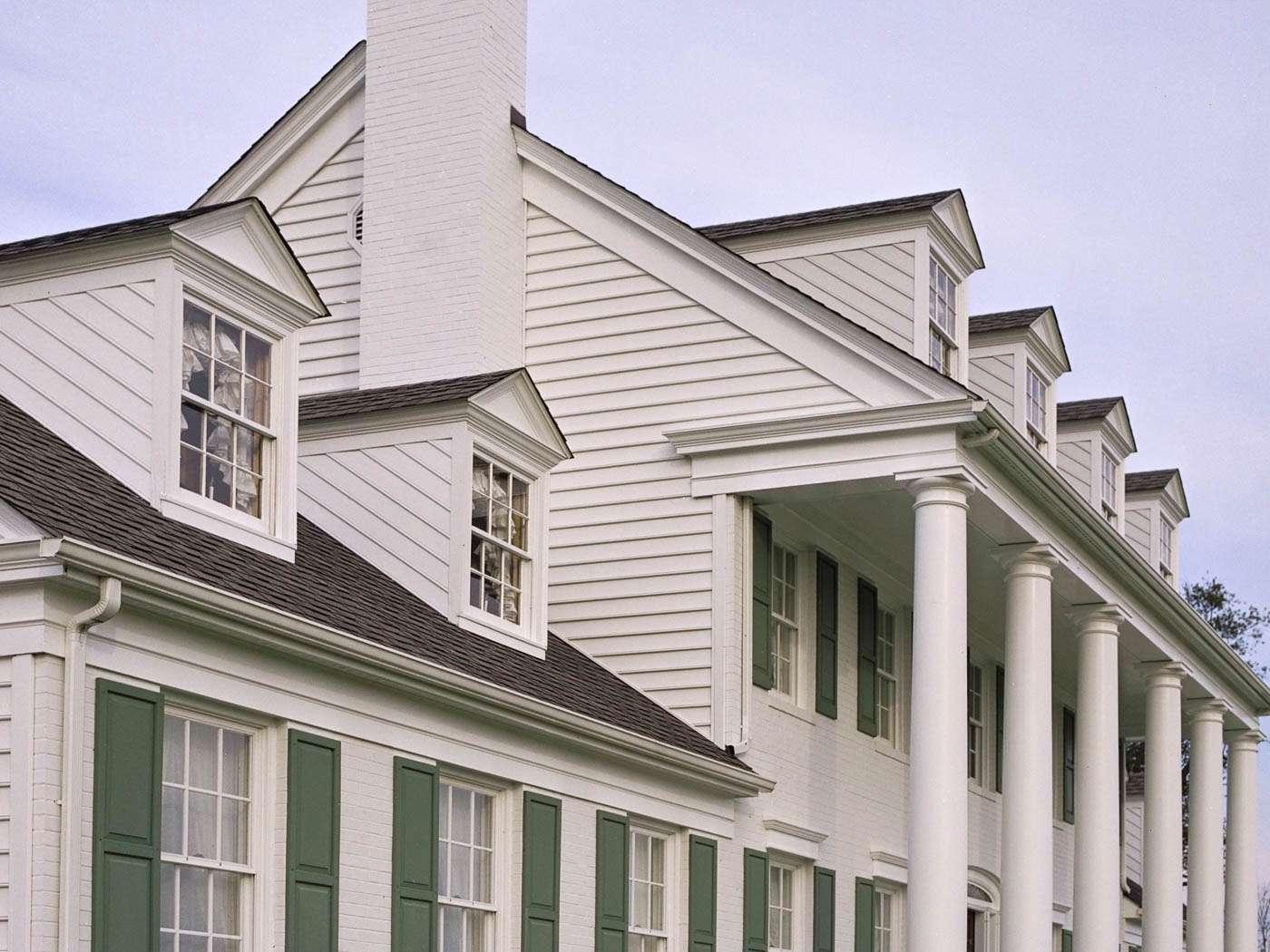 Lafayette Exterior 1